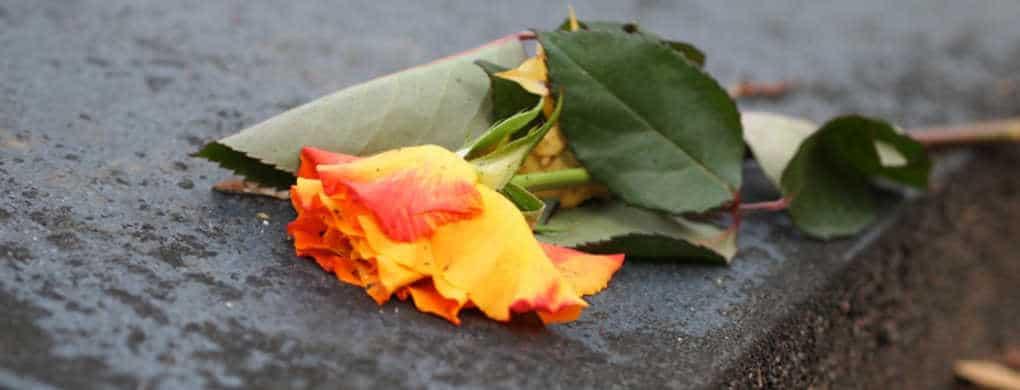 Wer trägt die Kosten einer Bestattung?