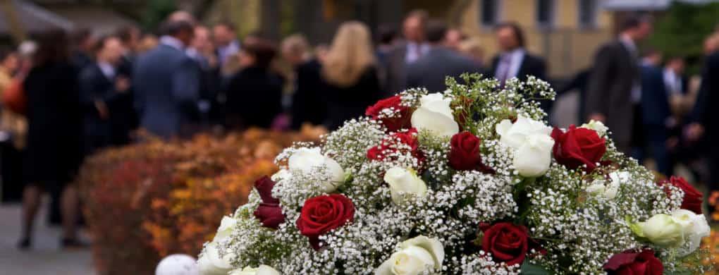 Wer ist für die Bestattungskosten verantwortlich?
